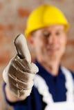 Trabalhador da construção amigável e de confiança foto de stock royalty free