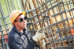 Trabalhador da construção com flama Imagens de Stock