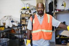 Trabalhador da construção Standing At Workplace Imagens de Stock Royalty Free