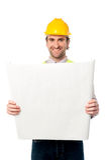 Trabalhador da construção masculino que guardara o modelo Fotos de Stock Royalty Free