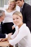 Trabalhador de escritório novo Fotos de Stock Royalty Free