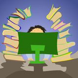 Trabalhador de escritório que senta-se no PC com muitos livros Imagens de Stock Royalty Free
