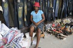 Trabalhador de mulher em Haiti. fotografia de stock