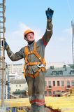 Trabalhador do construtor no canteiro de obras Fotos de Stock Royalty Free