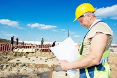 Trabalhador do construtor no canteiro de obras Fotografia de Stock Royalty Free
