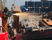Trabalhador do metal do estaleiro foto de stock royalty free