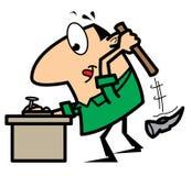 Trabalhador manual dos desenhos animados com martelo e prego Fotos de Stock Royalty Free