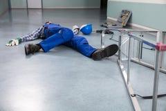 Trabalhador manual Fallen From Ladder foto de stock