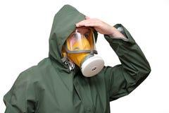 Trabalhador na máscara de gás foto de stock