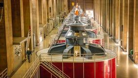 Trabalhador no central energética da barragem Hoover foto de stock
