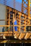 Trabalhador nos macacões Fotografia de Stock Royalty Free