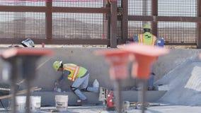 Trabalhadores da construção do foco da cremalheira filme