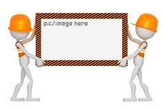 Trabalhadores da construção que prendem a placa branca em branco Imagem de Stock Royalty Free
