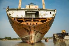 Trabalhadores da jarda de Shipbreaking Foto de Stock Royalty Free