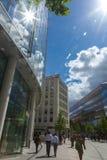Trabalhadores de escritório no quadrado do Pai Nosso, cidade de Londres Foto de Stock Royalty Free