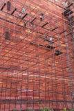 Trabalhadores que constroem o andaime na parede do complexo de Taj Mahal dentro Fotografia de Stock Royalty Free