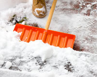 Trabalhando com pá a neve Fotografia de Stock