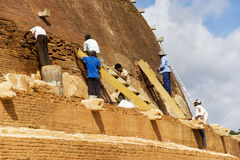 Trabalho Archaeological da conservação, Sri Lanka Foto de Stock
