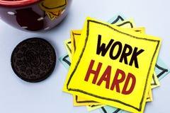 Trabalho da exibição da nota da escrita duramente Ação apresentando da realização da motivação da ambição do esforço do sucesso d Fotos de Stock
