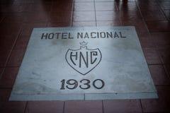 Trabalho da pedra de Nacional do hotel na entrada fotos de stock