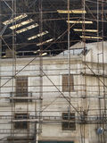 Trabalho da restauração em uma construção velha Imagens de Stock