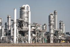 Trabalho da tubulação de uma planta de refinaria de petróleo Imagem de Stock