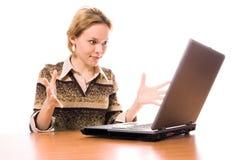 Trabalho das mulheres de negócio no portátil Imagens de Stock