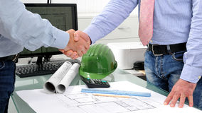 Trabalho de desenvolvimento em um projeto de construção residencial Foto de Stock Royalty Free