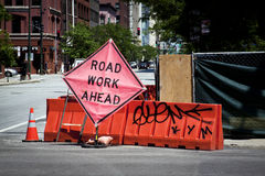 Trabalho de estrada adiante Imagens de Stock