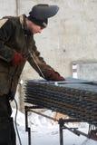 Trabalho de solda Soldador Encaixes do metal de soldadura Trabalhos masculinos de Construction do soldador fotos de stock royalty free