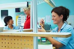 Trabalho dental diário imagem de stock royalty free