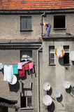 Trabalho em um telhado Foto de Stock