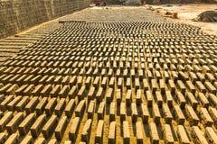Trabalho local dos povos na fábrica do tijolo nepal Fotografia de Stock