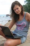 Trabalho na praia Imagens de Stock Royalty Free