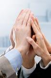 Trabalhos de equipa bem sucedidos do negócio imagens de stock royalty free