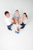 Trabalhos de equipa da família Fotografia de Stock