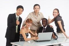 Trabalhos de equipa de todo o mundo Foto de Stock Royalty Free