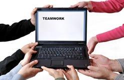 Trabalhos de equipa do computador Foto de Stock Royalty Free