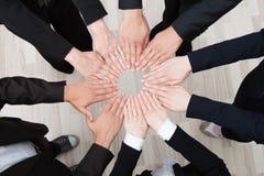Trabalhos de equipa e cooperação Fotos de Stock
