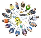 Trabalhos de equipa Team Together Collaboration Meeting Looking acima do conceito Imagens de Stock Royalty Free