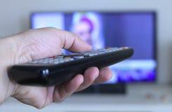 Trabalhos do controlo a distância da televisão imagens de stock
