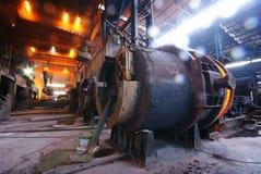 Trabalhos do ferro da fábrica de aço fotos de stock