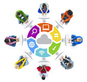 Trabalhos em rede dos povos e conceitos sociais da rede informática imagens de stock