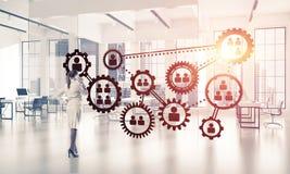 Trabalhos em rede e conceito social de uma comunicação como o ponto eficaz f foto de stock royalty free