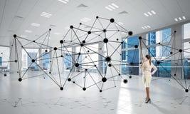 Trabalhos em rede e conceito social de uma comunicação como o ponto eficaz para o negócio moderno foto de stock