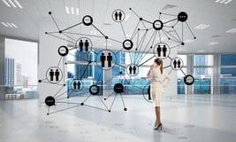 Trabalhos em rede e conceito social de uma comunica??o como o ponto eficaz para o neg?cio moderno ilustração royalty free