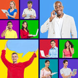 Trabalhos em rede felizmente sociais dos meios dos indivíduos Imagens de Stock
