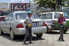 Trabalhos infanteis, vendedores ambulantes na cidade Santa Cruz Fotografia de Stock Royalty Free