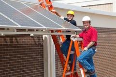 Trabalhos verdes - trabalhadores felizes fotografia de stock
