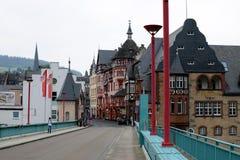 Traben-TRARBACH, DUITSLAND - Mei 14, 2018: Mooie kleine stad in de Vallei van Moezel stock afbeelding